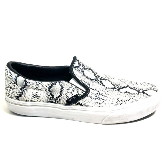 5751223eed Vans Classic Slip On Shoes Silver Snake Print. M 5be928527386bc8ed634bbcc
